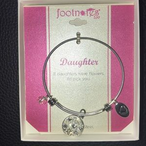 FOOTNOTES TOO BRACELET WITH CHARMS